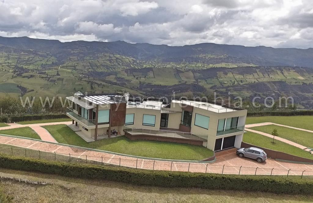 The most amazing house for sale in Guatavita | Buy in Colombia