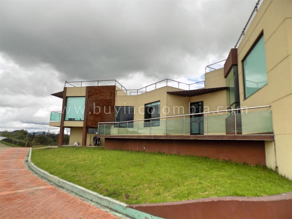 Houses for sale Guatavita - Buy in Colombia